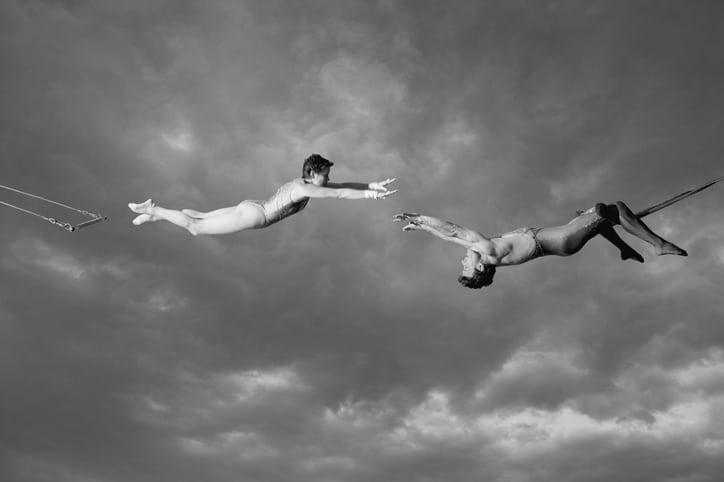 Les trapèzes : une leçon de lâcher-prise