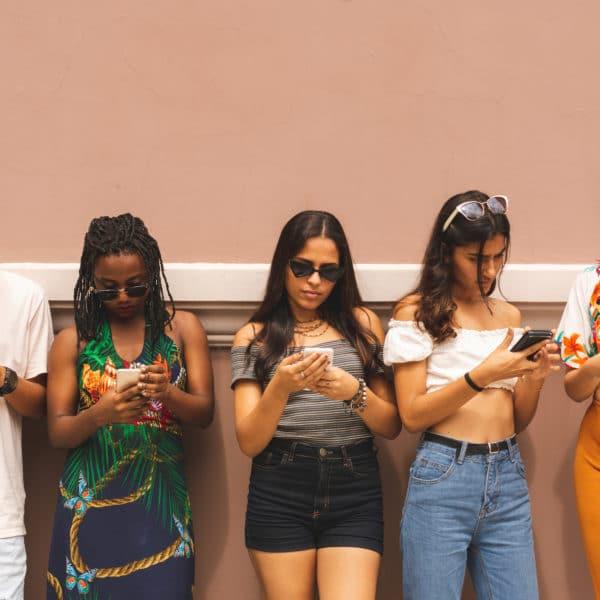 adolescents-et-des-reseaux-sociaux-7-cles-pour-les-protege