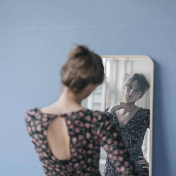 l-effet-miroir-ce-que-cela-nous-apprends-de-nous.