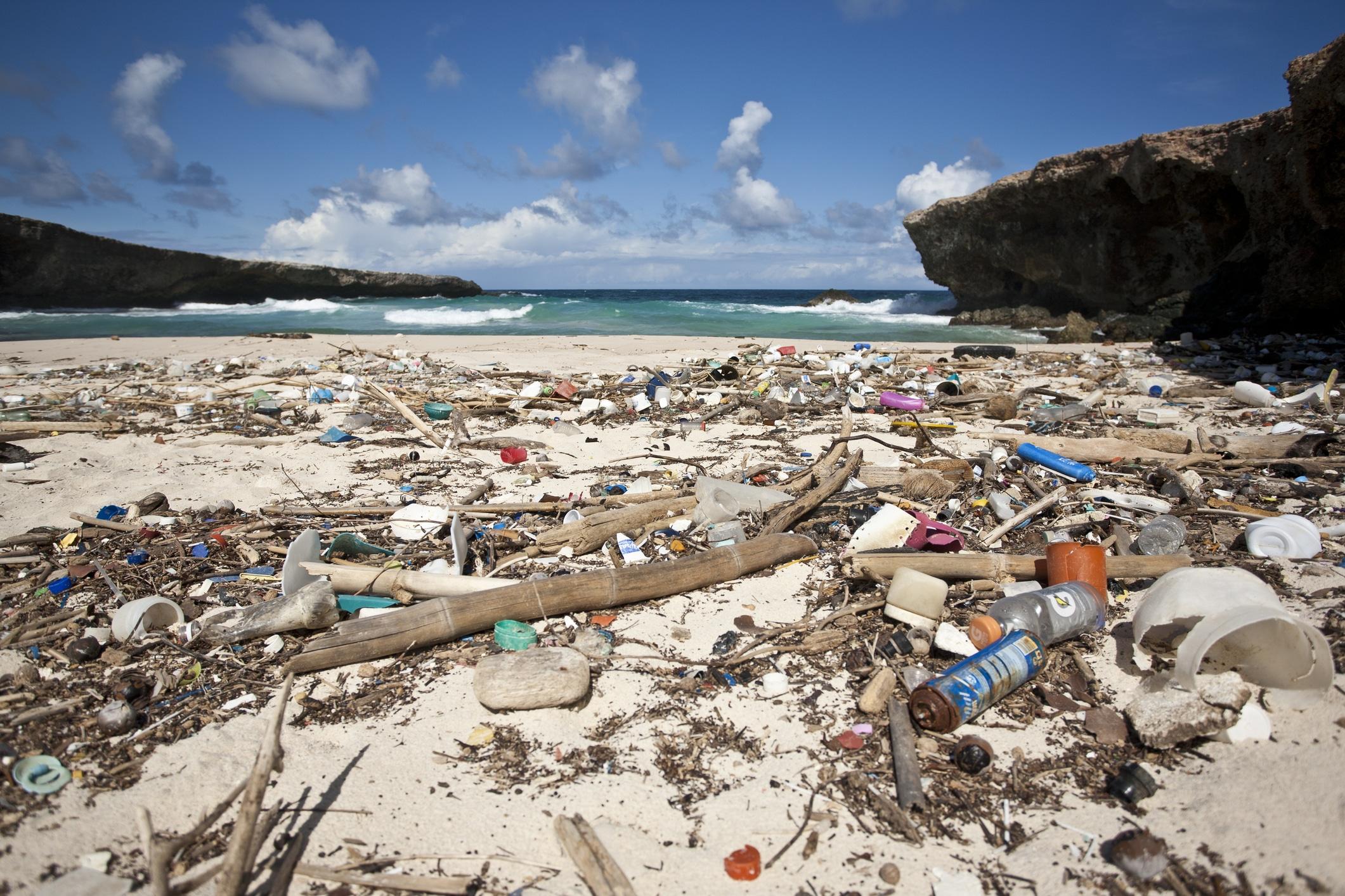 Pollution-les-dessous-du-recyclage-du-plastique