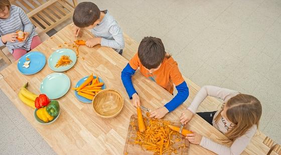 alimentation-des-adolescents-leur-apporter-les-bons-reflexes